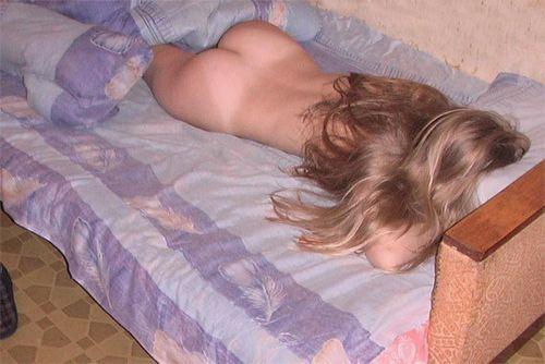 全裸で寝ちゃってる美しい外国人女性を限定した盗撮エロ画像 36枚 No.12