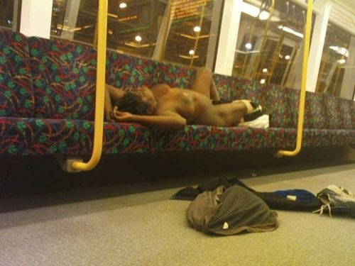 全裸で寝ちゃってる美しい外国人女性を限定した盗撮エロ画像 36枚 No.32