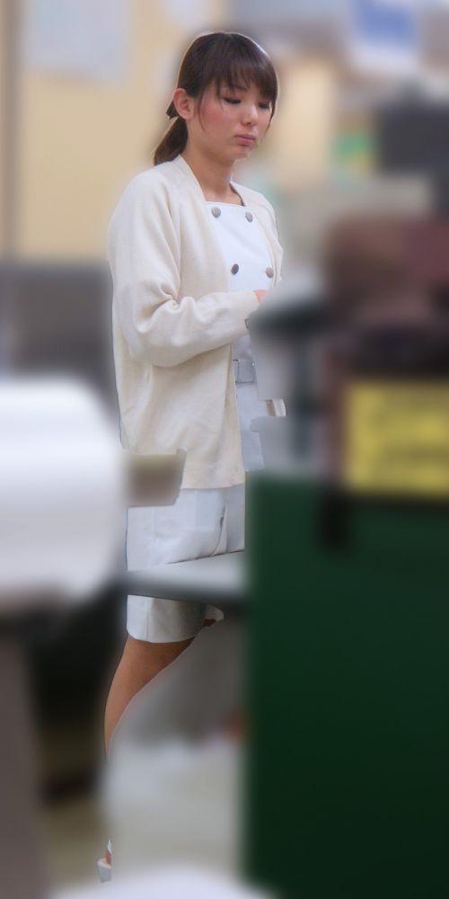 看護師(ナース)の胸チラや着替え・街撮りを盗撮したエロ画像 34枚 No.8
