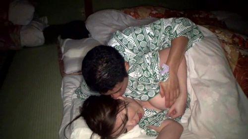 ぐっすり眠ている彼女・セフレ・嫁を無理やり夜這いしちゃうエロ画像 32枚 No.30