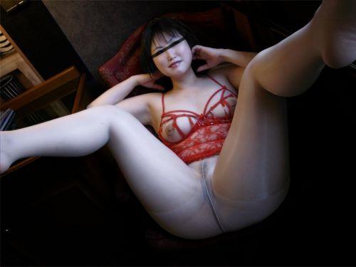 熟女・人妻がノーパンストッキングでオマンコ見せちゃうエロ画像 32枚 No.1
