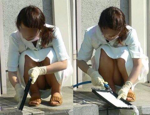 看護師(ナース)の机の下パンチラやしゃがみパンチラ盗撮エロ画像 44枚 No.25