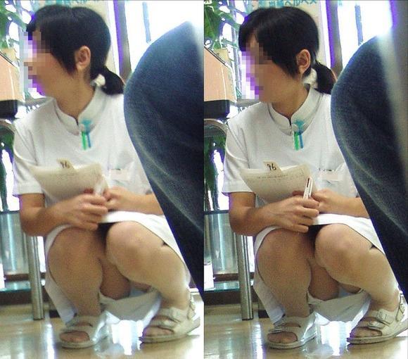 看護師(ナァス)の机の下パンツ丸見えやしゃがみパンツ丸見え秘密撮影えろ写真 44枚