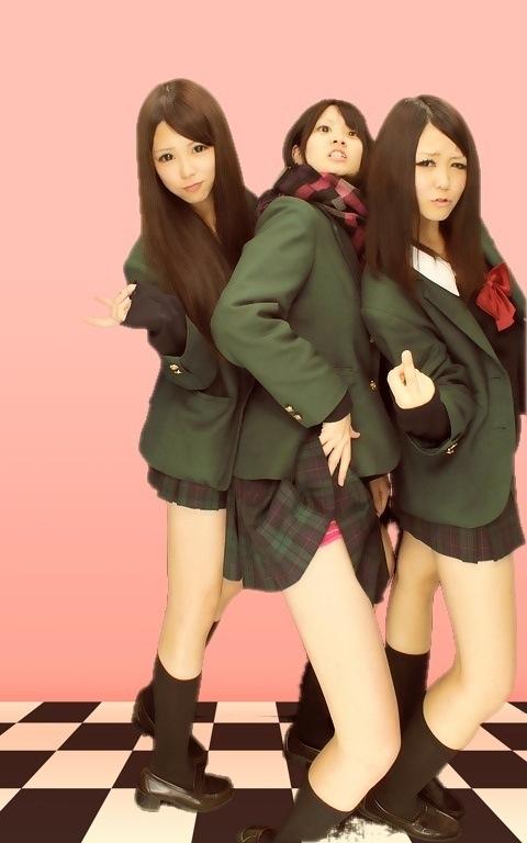 【エロ画像】女子高生がプリクラ内での悪ふざけした結果www 40枚 No.35