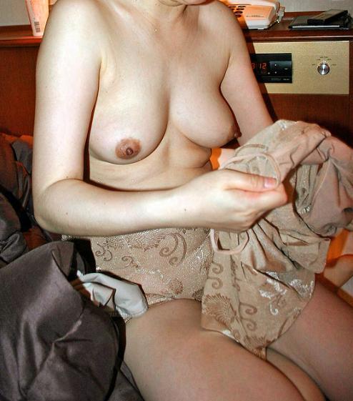 熟女や人妻が下着を脱いでる最中の熟れたカラダを楽しむエロ画像 34枚 No.9