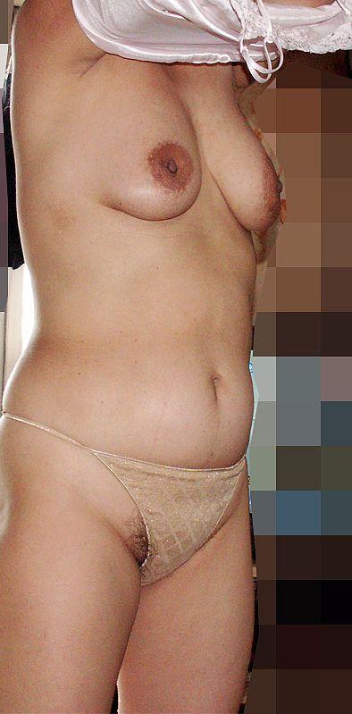 熟女や人妻が下着を脱いでる最中の熟れたカラダを楽しむエロ画像 34枚 No.30