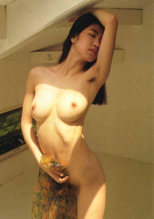 ワキ毛がフサフサな女性の腋に顔を埋めたくなるエロ画像 36枚 No.28