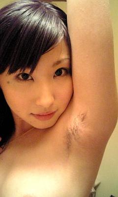 ワキ毛がフサフサな女性の腋に顔を埋めたくなるエロ画像 36枚 No.32