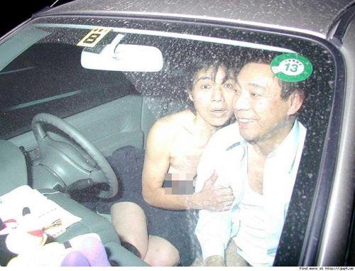 【画像】素人カップルが夢中でカーセックスしてるのを盗撮した結果www 37枚 No.19