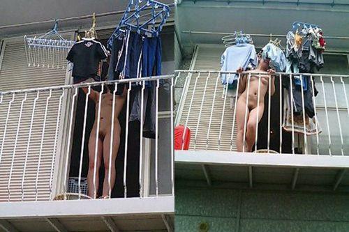 ベランダに外干ししてあるパンティやブラジャーを盗撮したエロ画像 33枚 No.15