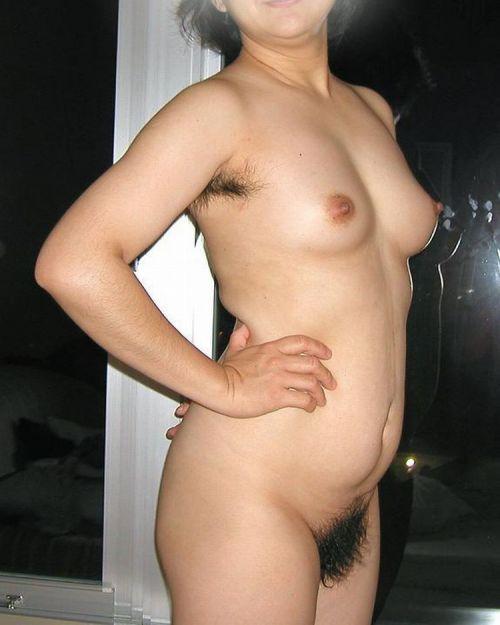 ワキ毛が生えた妖艶な熟女に顔を埋めて匂いたい腋フェチエロ画像 32枚 No.31