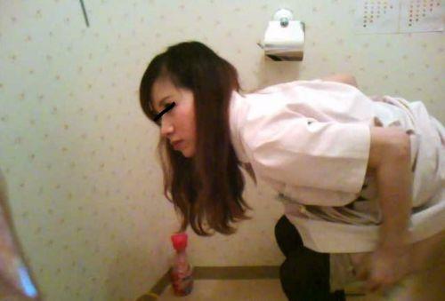 看護師(ナース)が和式や洋式トイレで聖水出しちゃう盗撮エロ画像 37枚 No.13
