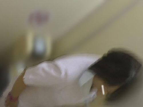 看護師(ナース)が和式や洋式トイレで聖水出しちゃう盗撮エロ画像 37枚 No.21