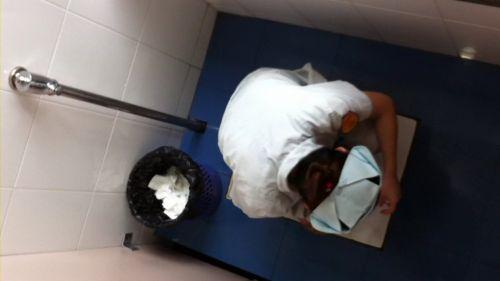 看護師(ナース)が和式や洋式トイレで聖水出しちゃう盗撮エロ画像 37枚 No.22
