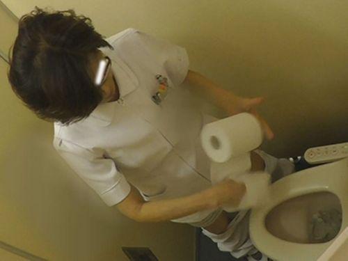看護師(ナース)が和式や洋式トイレで聖水出しちゃう盗撮エロ画像 37枚 No.29