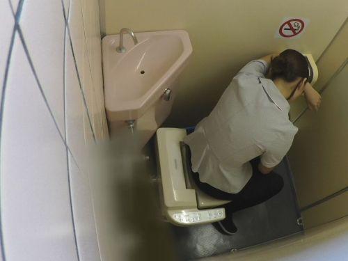 看護師(ナース)が和式や洋式トイレで聖水出しちゃう盗撮エロ画像 37枚 No.34