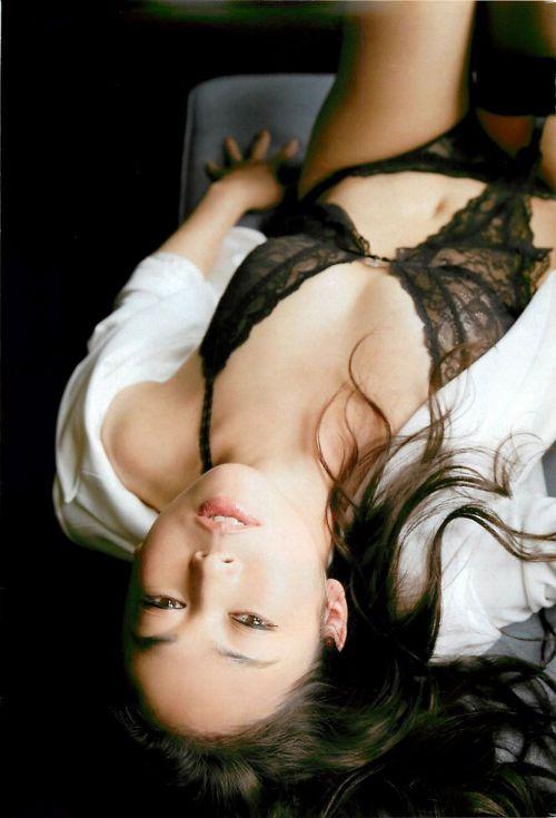 【画像】有名熟女芸能人達限定のヌードがスタイル抜群でエロ過ぎwww 104枚 No.23