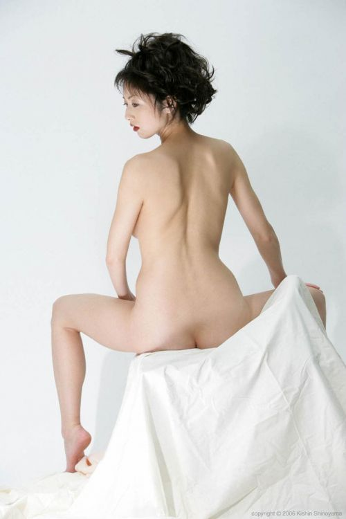 【画像】有名熟女芸能人達限定のヌードがスタイル抜群でエロ過ぎwww 104枚 No.70