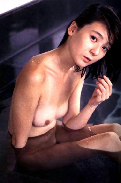 【画像】有名熟女芸能人達限定のヌードがスタイル抜群でエロ過ぎwww 104枚 No.78