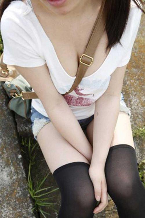 素人女性の巨乳にメリメリ食い込むパイスラッシュの盗撮エロ画像 33枚 No.29