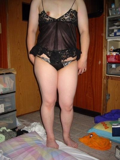 熟女や人妻がおっぱい丸見えのセクシーな下着で誘惑してくるエロ画像 38枚 No.35