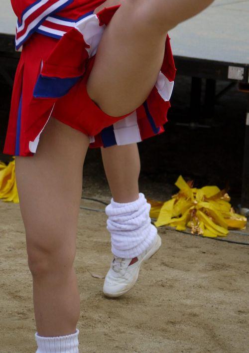 【画像あり】大きく足を開いたチアガールの股間がエロ過ぎ! 38枚 part.2 No.21