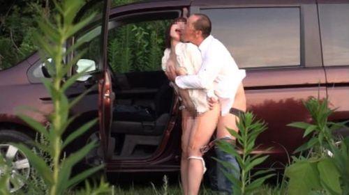 露出好きな変態カップルが野外でセックス・青姦してるエロ画像 37枚 No.27
