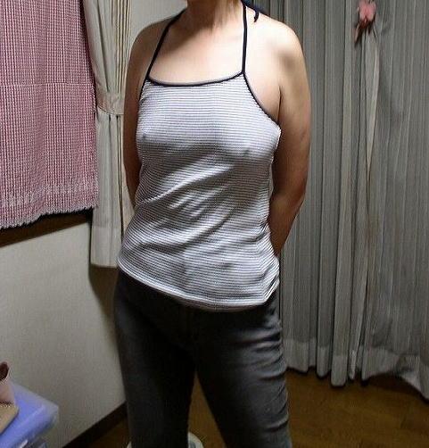 美少女達がノーブラで乳首が透けちゃっている胸ポチエロ画像 36枚 No.25