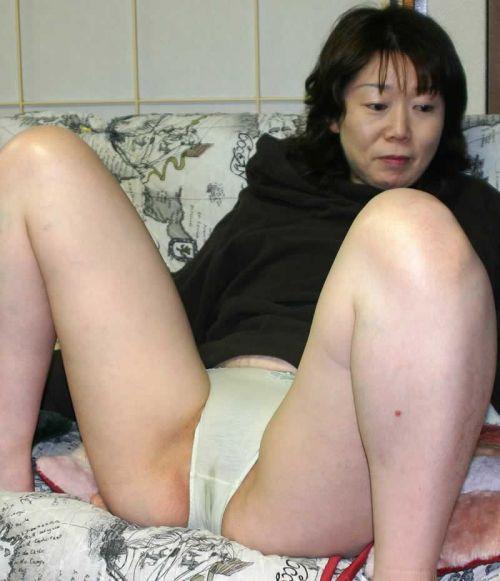 【エロ画像】熟女・人妻の股間がエッチな下着姿でもっこりしちゃおうぜww w 40枚 No.37