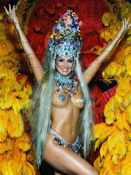 サンバカーニバルで外国人がおっぱい丸出しで踊り狂うエロ画像 36枚 No.2