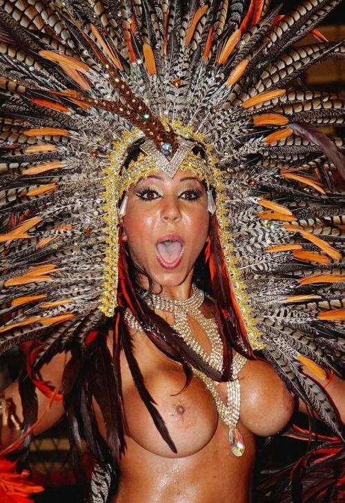 サンバカーニバルで外国人がおっぱい丸出しで踊り狂うエロ画像 36枚 No.3