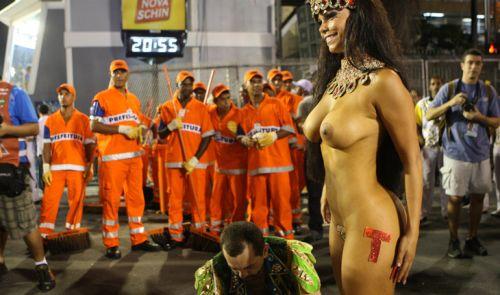 サンバカーニバルで外国人がおっぱい丸出しで踊り狂うエロ画像 36枚 No.5