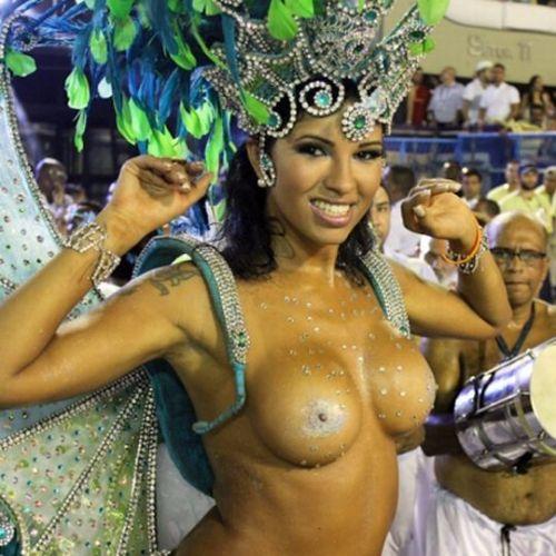 サンバカーニバルで外国人がおっぱい丸出しで踊り狂うエロ画像 36枚 No.9