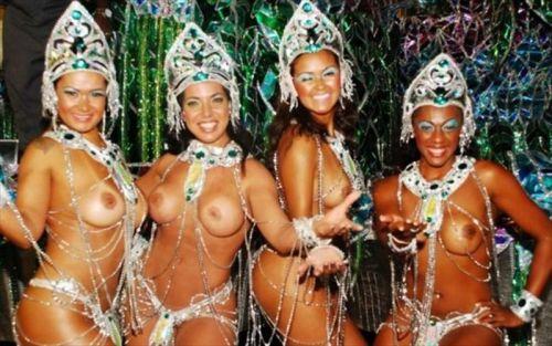 サンバカーニバルで外国人がおっぱい丸出しで踊り狂うエロ画像 36枚 No.10
