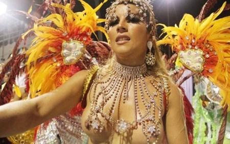 サンバカーニバルで外国人がおっぱい丸出しで踊り狂うエロ画像 36枚 No.11