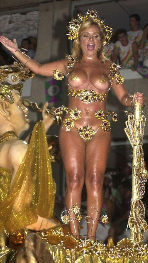 サンバカーニバルで外国人がおっぱい丸出しで踊り狂うエロ画像 36枚 No.28