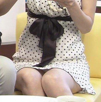 芸能人や女子アナ・アイドルのデルタパンチラを盗撮したエロ画像 33枚 No.20