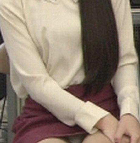 芸能人や女子アナ・アイドルのデルタパンチラを盗撮したエロ画像 33枚 No.26