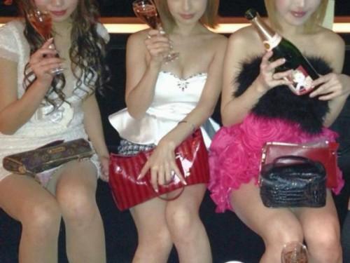 【エロ画像】同伴希望!キャバ嬢のパンチラや美脚を盗撮したったwww 31枚 No.3