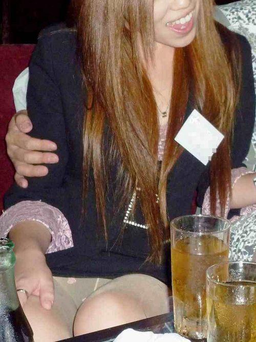 【エロ画像】同伴希望!キャバ嬢のパンチラや美脚を盗撮したったwww 31枚 No.29