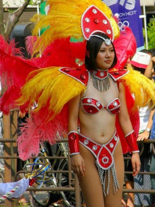 【エロ画像】日本で開催されたサンバカーニバルもほぼ裸体な件 41枚 No.14