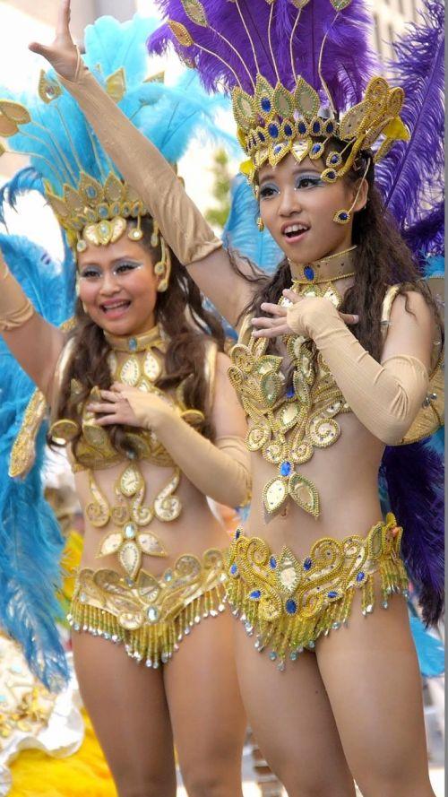 【エロ画像】日本で開催されたサンバカーニバルもほぼ裸体な件 41枚 No.17