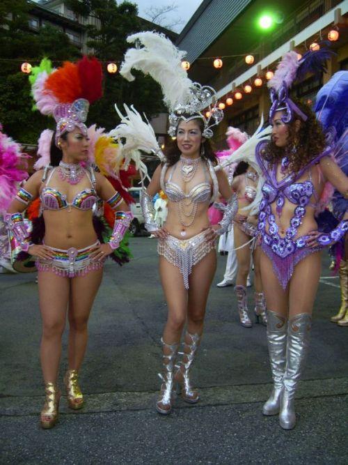 【エロ画像】日本で開催されたサンバカーニバルもほぼ裸体な件 41枚 No.19