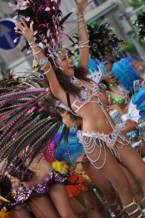 【エロ画像】日本で開催されたサンバカーニバルもほぼ裸体な件 41枚 No.20