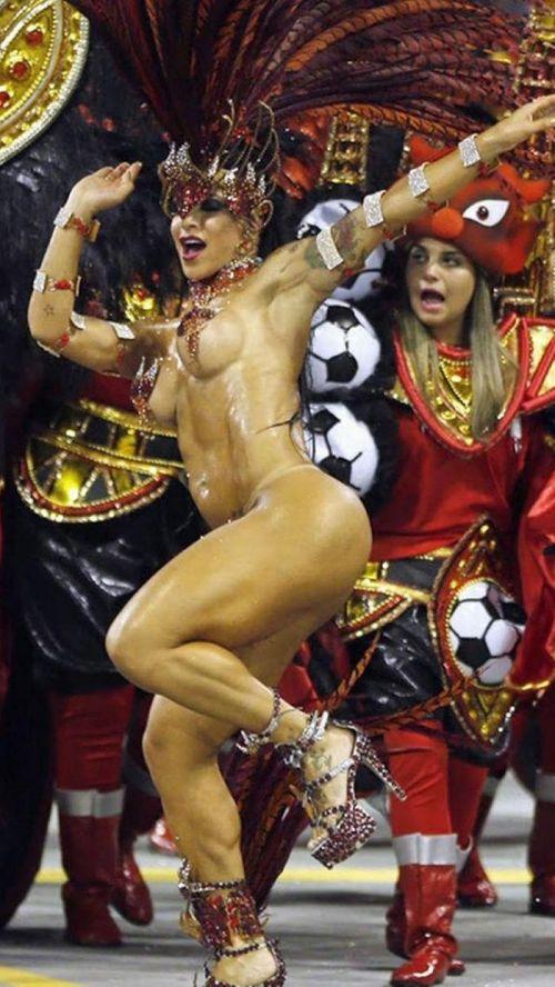 【エロ画像】日本で開催されたサンバカーニバルもほぼ裸体な件 41枚 No.22