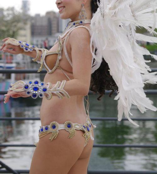 【エロ画像】日本で開催されたサンバカーニバルもほぼ裸体な件 41枚 No.37