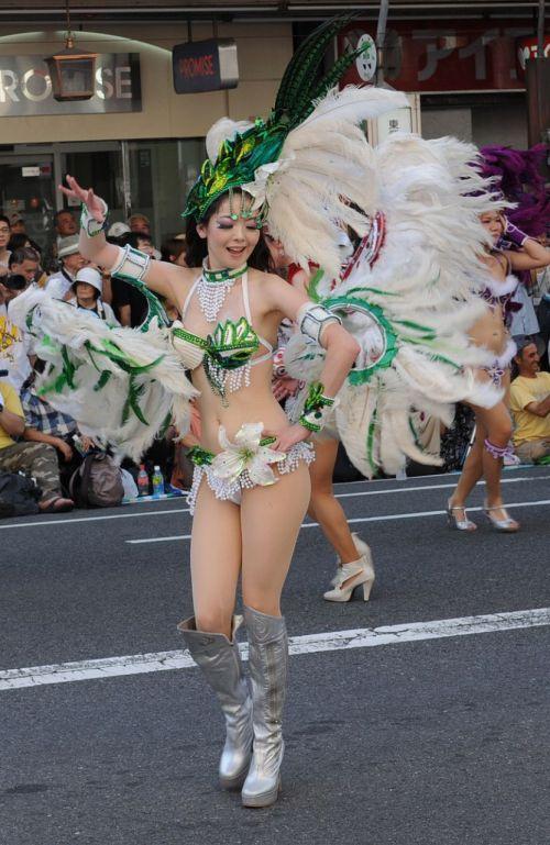 【エロ画像】日本で開催されたサンバカーニバルもほぼ裸体な件 41枚 No.40