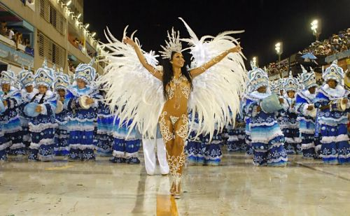 【画像】外国人サンバダンサーの豊満な肉体と衣装がエロ過ぎるwww 35枚 No.23