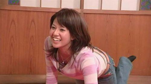 【TVキャプチャ】芸能人が胸の谷間をチラリした瞬間のお宝エロ画像 37枚 No.6