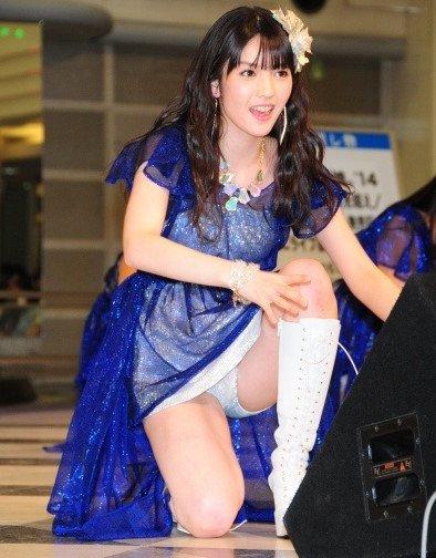 芸能人やアイドルがパンチラしているハプニング系お宝エロ画像 36枚 No.15